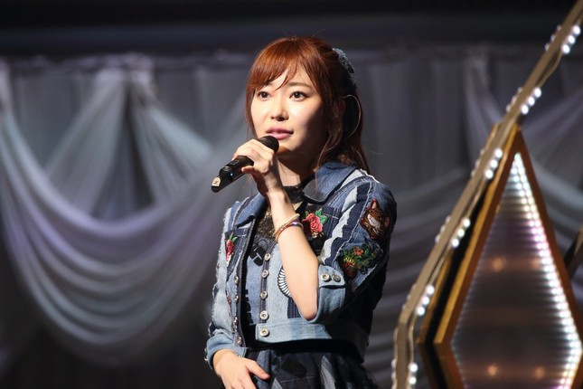 神妙な表情で「私、指原莉乃は…HKT48を…」と「迫真の演技」