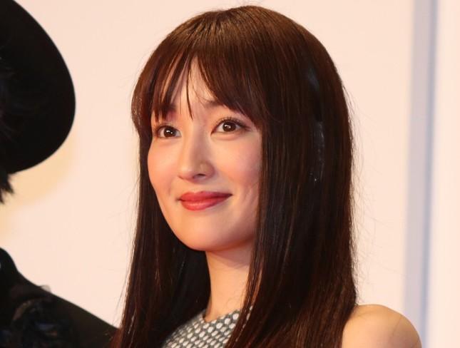 高梨臨さんが槙野智章選手との結婚を発表(2016年10月撮影)