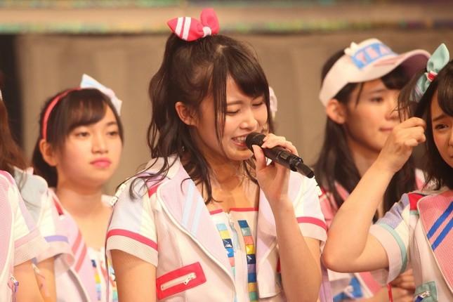 2年連続の2位に悔し涙を流すAKB48チーム8の岡部麟さん