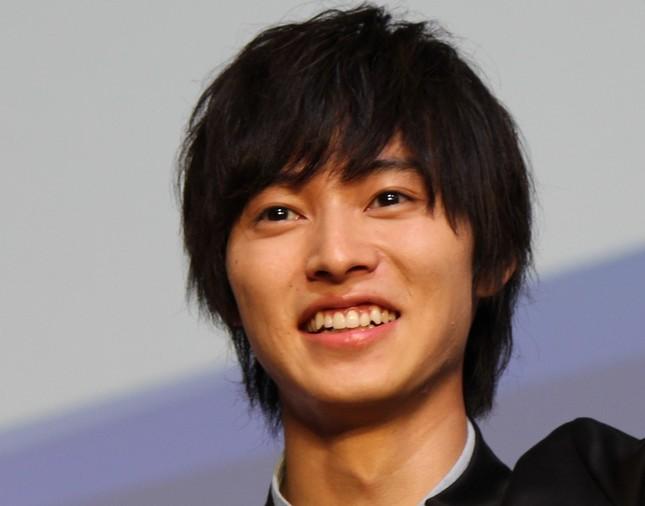 ドラマ「トドメの接吻」で主演を務める山崎賢人さん(2015年9月撮影)