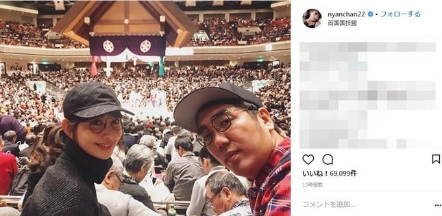 相撲観戦を楽しむ小嶋陽菜さん(写真は小嶋陽菜さんのインスタグラムより)