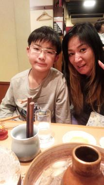 ジャガー横田さんと大維志君のツーショット(画像は所属事務所提供)