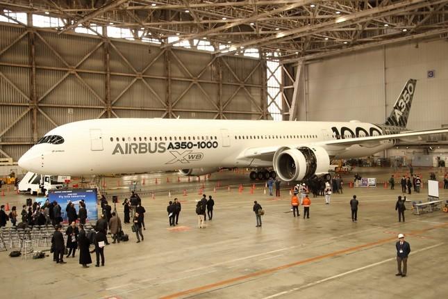 日本で初公開されたエアバスA350-1000型機。JALはボーイング777-300ER型機の後継機種として導入する