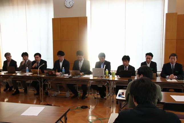 発起人9人が記者会見を開いた。2018年上半期中の正式発足を目指す