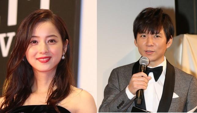 2017年4月に結婚を発表した渡部建・佐々木希夫妻