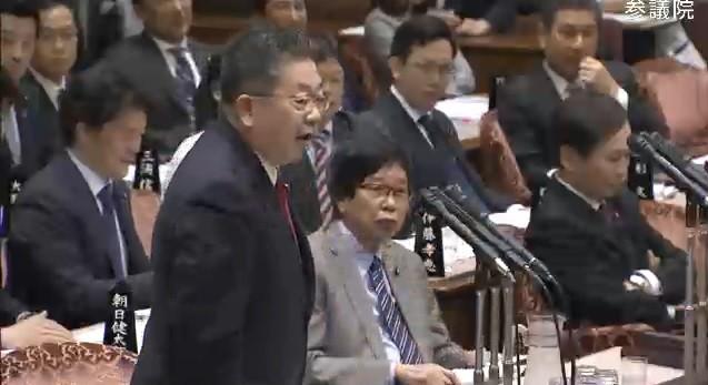 共産党の小池晃書記局長は「モリカケじゃないですか!何が『行政をゆがめてない』だ!」と語気を強めた(写真は参院インターネット中継から)