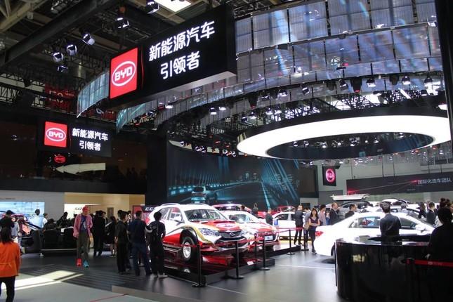 2018年の北京モーターショーの会場。スズキの中国市場での去就も関心を集めた