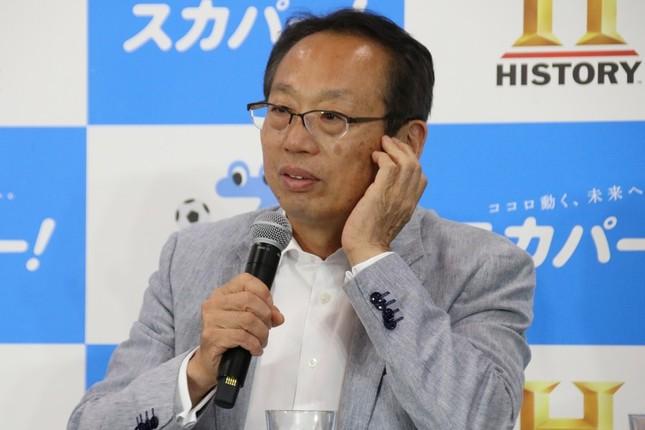熱弁する岡田武史氏