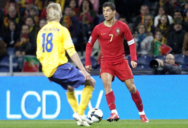 ポルトガル代表のクリスティアーノ・ロナウド選手は「五万両役者」? (C)FAMOUS