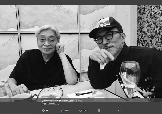 高橋さんのツイッターより、細野さんとのツーショット。