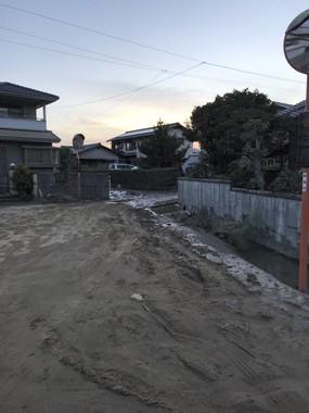 やはり「尚@真備町住民」さんからの提供写真。水は引いたものの、復旧はこれからだ
