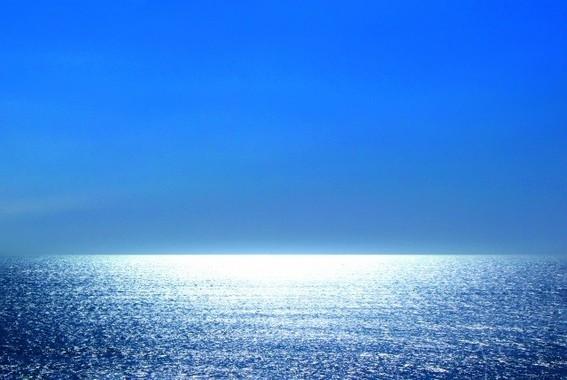 海洋での散骨を選択する人も