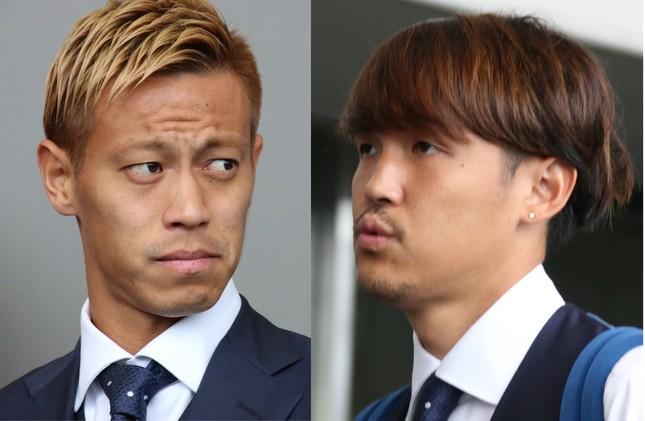 ロシアW杯日本代表の本田圭佑選手(左)と宇佐美貴史選手