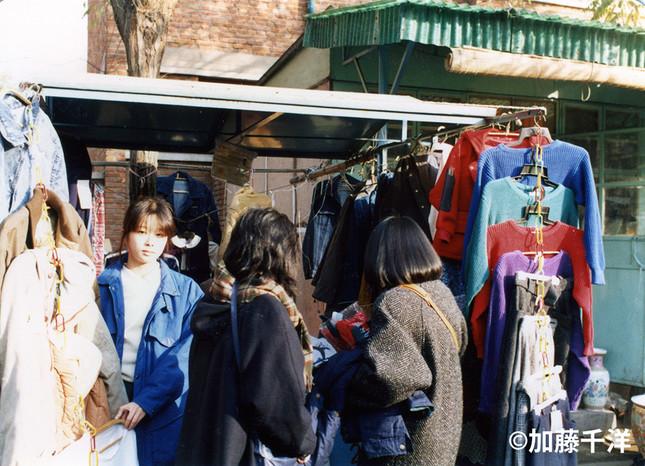 北京の秀水街に生まれた自由市場