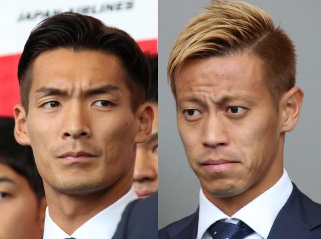 槙野智章選手(左)と本田圭佑選手