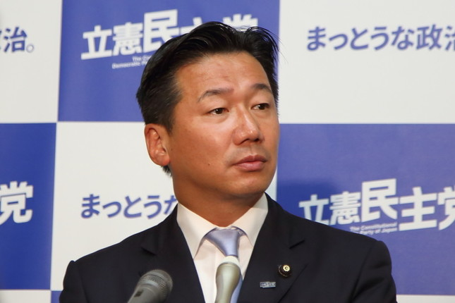 立憲民主党の福山哲郎幹事長。所属議員をめぐる問題が「出所不明のブログの内容にからむ域」を出ていないと主張している