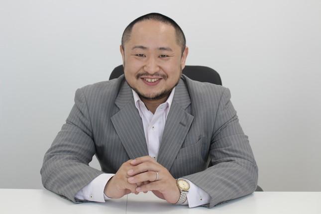 初瀬勇輔氏は「ユニバーサルスタイル」と「スタイル・エッジMEDICAL」両社の社長で、視覚障害者柔道家(パラアスリート)としても活躍している