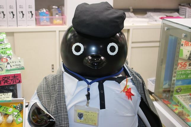 ペンスタ東京店にあるペンギンの置物