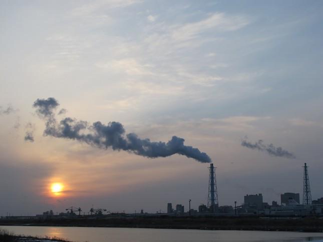 苫東厚真発電所(achappe撮影、WikimediaCommonsより)