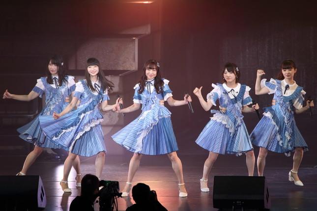 2018年9月に行われたコンサートでは、AKB48の楽曲「センチメンタルトレイン」をセンターポジションで披露した