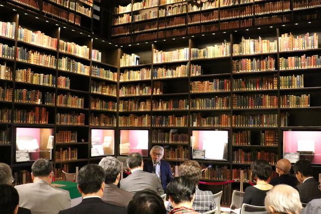 「4つの国家像」について講演するノンフィクション作家の保阪正康さん