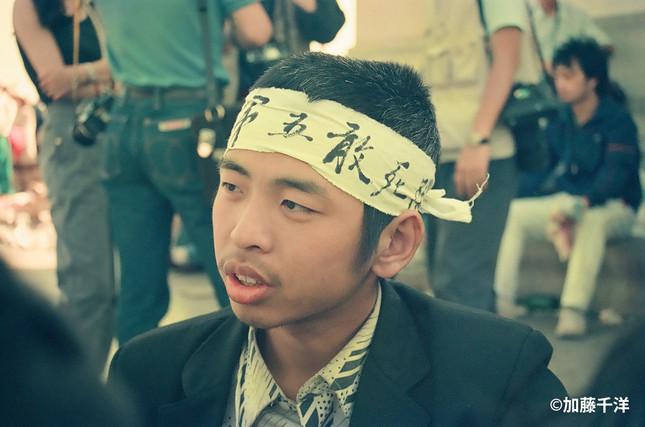 天安門広場には「敢死隊」(決死隊)と書いた鉢巻きを巻く学生たちも登場した