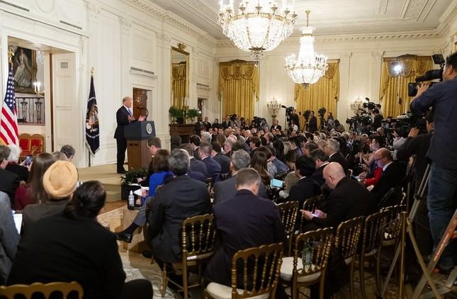 ホワイトハウスがツイッターで公開したトランプ大統領の記者会見の写真