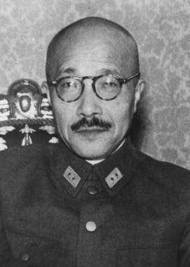東条英機は軍政と軍令を兼ねる「独裁者」ともいえる立場に立った