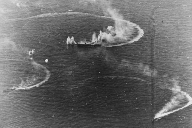 昭和19(1944)年6月の「あ号作戦」の失敗で東條内閣は退陣に追い込まれた