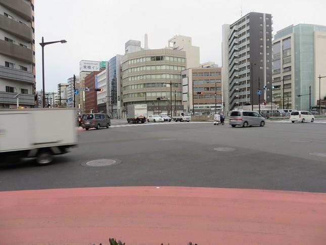 交差点付近のコンビニは迷惑千万!?(写真はイメージです)