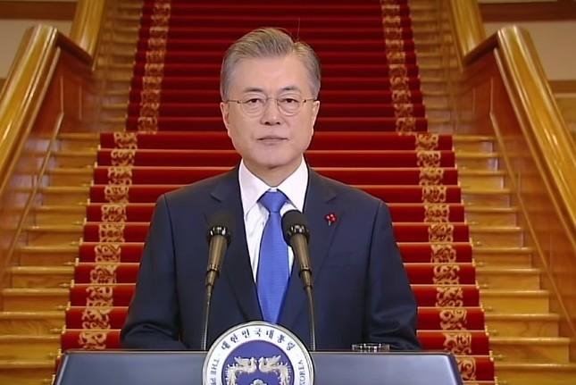 文在寅(ムン・ジェイン)大統領は日本側に「自制」求めるが…(写真は韓国大統領府の動画から