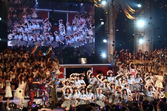 初の1位に輝いたAKB48のチーム8の「47の素敵な街へ」