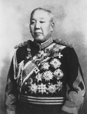 日本帝国憲法発布時の陸相だった大山巌