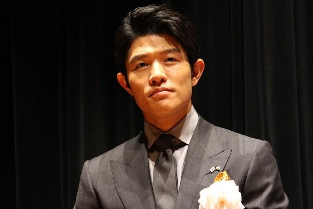 鈴木亮平さん(2016年4月撮影)
