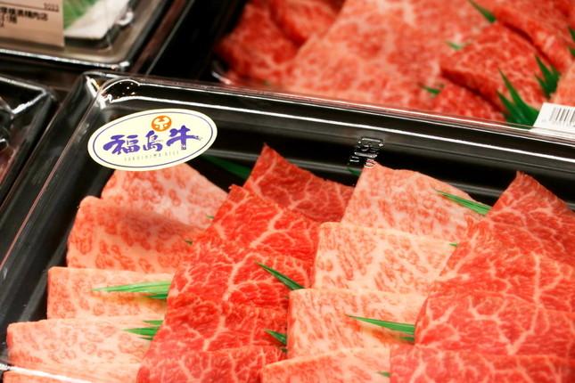 店頭に並んだ牛肉がおいしそうだ