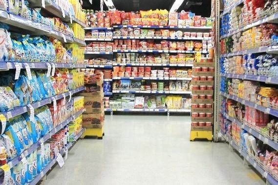商品を別の棚に置きっ放しは多いのか(写真はイメージ)