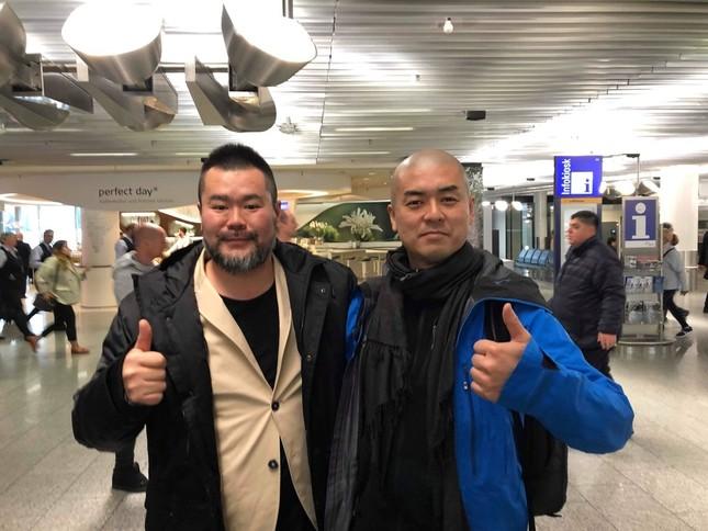 今年2月、バルセロナで再会したつのださん(写真左)と横山さん(写真提供・横山俊顕さん)