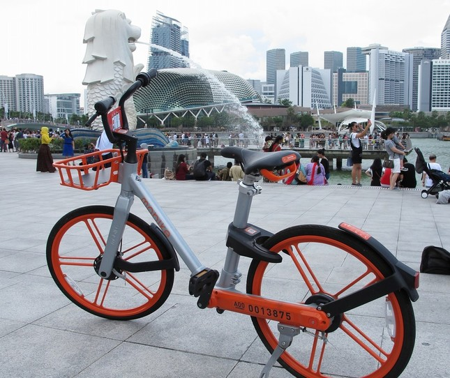 モバイクはシンガポール中心部の観光地をめぐるには便利な手段だった(2018年5月撮影)
