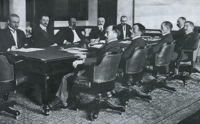 日露戦争は「事業」としては成功だったのか(写真はポーツマス講和会議)