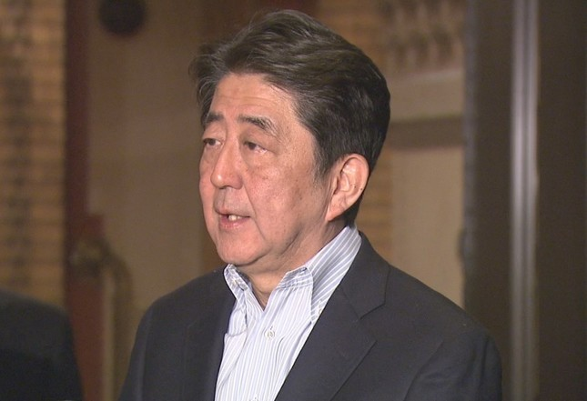 安倍晋三首相は北朝鮮の金正恩・朝鮮労働党委員長と「条件をつけずに向き合わなければならない」などと述べ、無条件で会談に臨む考えを示した(写真は首相官邸ウェブサイトから)