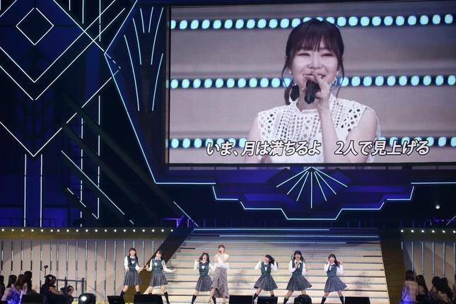 指原さんが書き下ろすHKTの新公演「いま、月は満ちる」の表題曲もサプライズで披露された