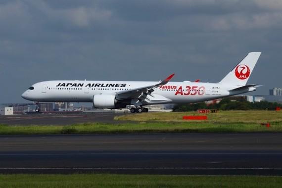 羽田空港に着陸した日本航空(JAL)のエアバスA350型機。9月1日から羽田-福岡線にお目見えする