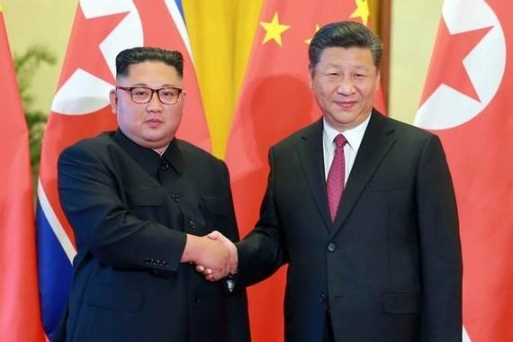 過去4回にわたって行われた中朝首脳会談は、すべて中国国内で行われた(写真は2018年6月の会談の様子。労働新聞ウェブサイトから)