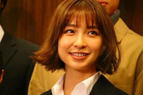 篠田麻里子さん(囲み取材にて)