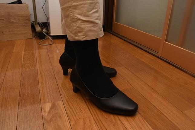 記者が履いた5センチのヒール靴