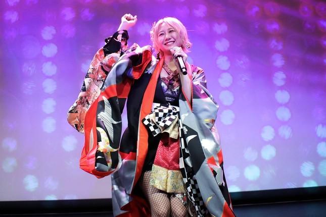 初のソロライブで熱唱するSKE48の古畑奈和さん(c)SKE