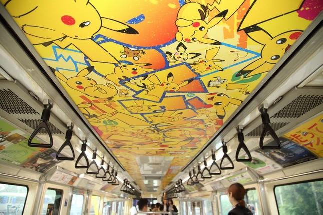 天井もポケモンのキャラクターで彩られた