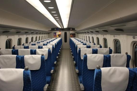 新幹線内のマナー問題どうする?(画像はイメージ)