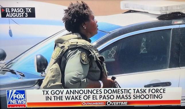 テキサス州エルパソの銃乱射事件を封じる米テレビ