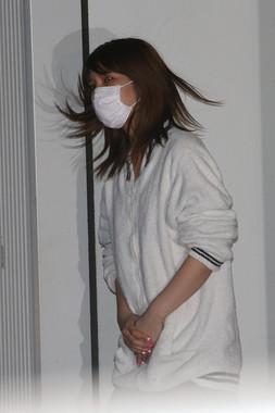 2017年の事件の際、釈放される坂口杏里容疑者(写真:アフロ)